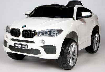 Электромобиль RiverToys BMW X6M JJ2199 белый